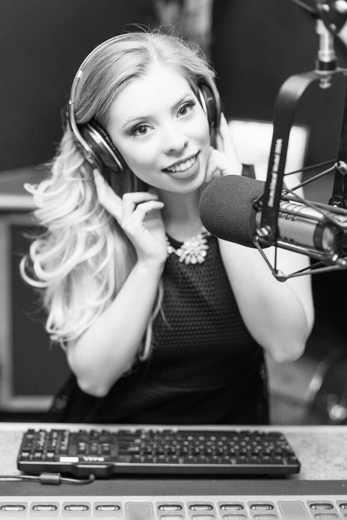 Latina radio carrera